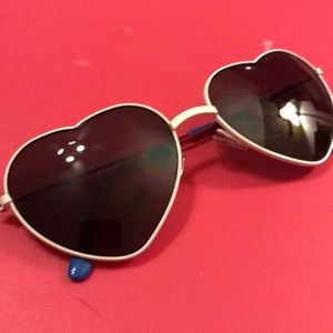 Aero heart sunglasses